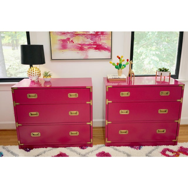 Campaign Campaign Lacquered Fuschia Bachelors Chests - a Pair For Sale - Image 3 of 13
