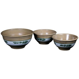20th Century Nested Seaweed Mocha Decorated Pottery Mixing Bowls - Set of 3 For Sale