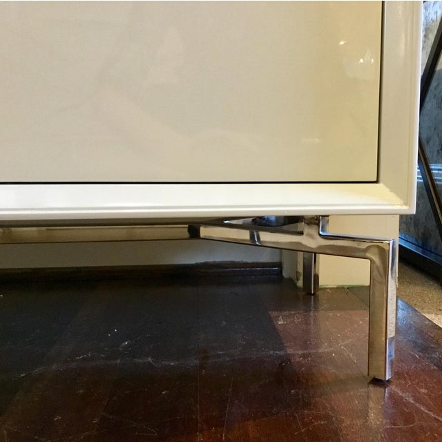 Contemporary White Lacquer Mitchell Gold Ming Storage Chest For Sale In Atlanta - Image 6 of 8