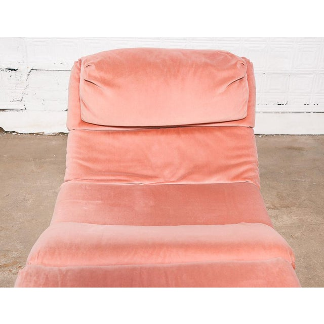 Pink Velvet and Brass Chaise Longue For Sale - Image 9 of 10