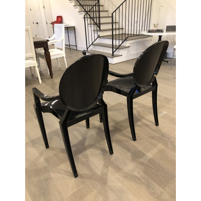 Modern Modern Kartell Louis Ghost Chairs- Pair For Sale - Image 3 of 4
