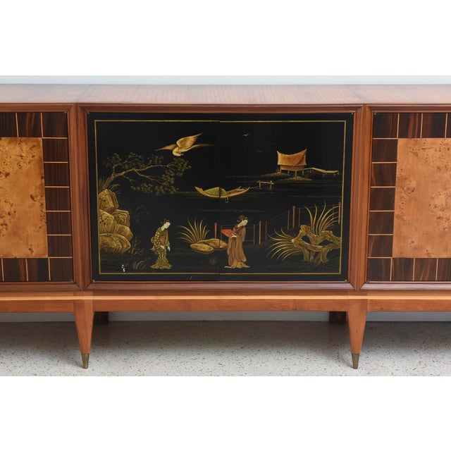 1950s Superb Italian Six-Door Mixed Wood and Chinoiserie Buffet For Sale - Image 5 of 8