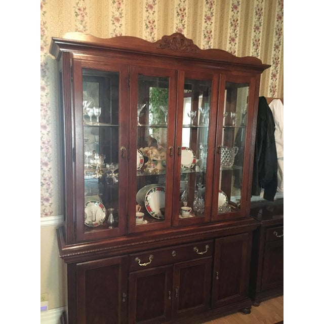 Vintage Broyhill Cherry China Cabinet - Image 2 of 4 - Vintage Broyhill Cherry China Cabinet Chairish