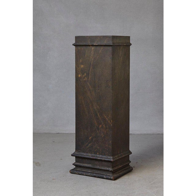 Gray 19th Century Swedish Hand-Painted Pedestal With Faux Marbleized Pattern For Sale - Image 8 of 9