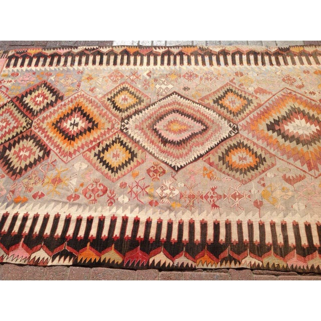 "Vintage Turkish Kilim Rug - 5'5"" X 9'11"" - Image 4 of 6"