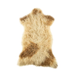 "Contemporary Natural Sheepskin Pelt - 2'2""x3'4"" For Sale"