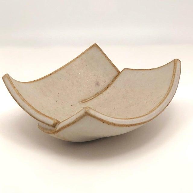 White Cream Glazed Hand-Formed Slab Pottery Bowl Signed Burke For Sale - Image 8 of 13