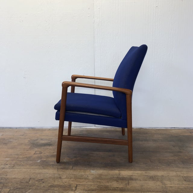 Fritz Hansen Mid-Century Fritz Hansen Danish Teak Armchair Lounge For Sale - Image 4 of 13