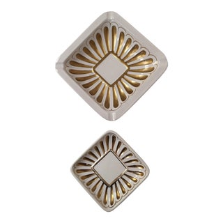 1960s Hollywood Regency Urbano Zaccagnini White & Gold Ashtray & Dish - 2 Pieces For Sale