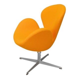 Restored Early Arne Jacobsen Fritz Hansen Tilt and Swivel Orange Swan Chair For Sale