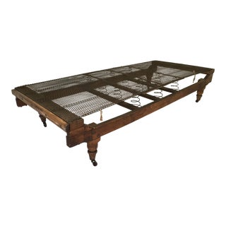 Antique Traditional Daybed Cot For Sale