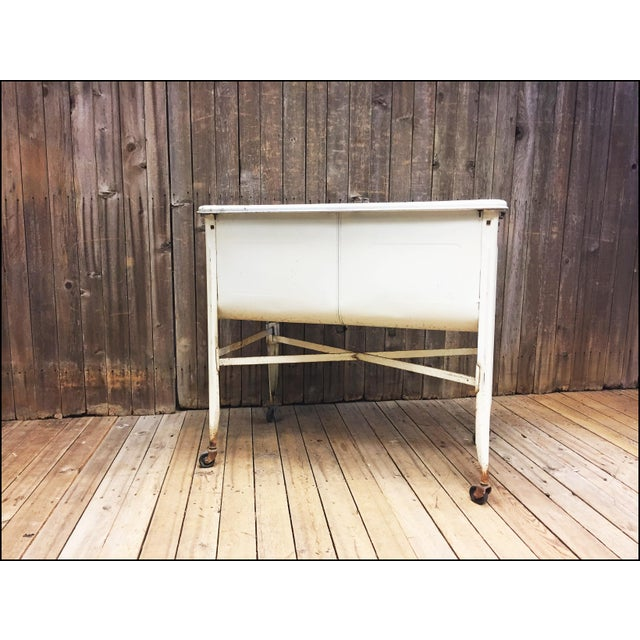 Vintage White Double Basin Metal Wash Tub with Stand - Image 10 of 11