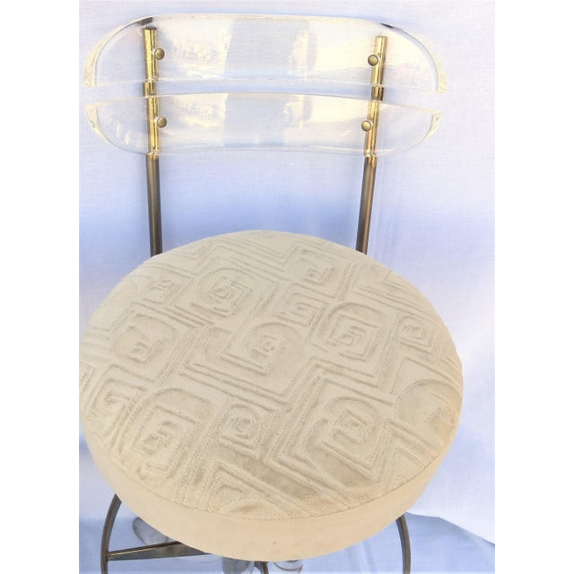 Gold Vintage 1970's Hill Manufacturing Acrylic Bar Stools - Set of 4 For Sale - Image 8 of 13