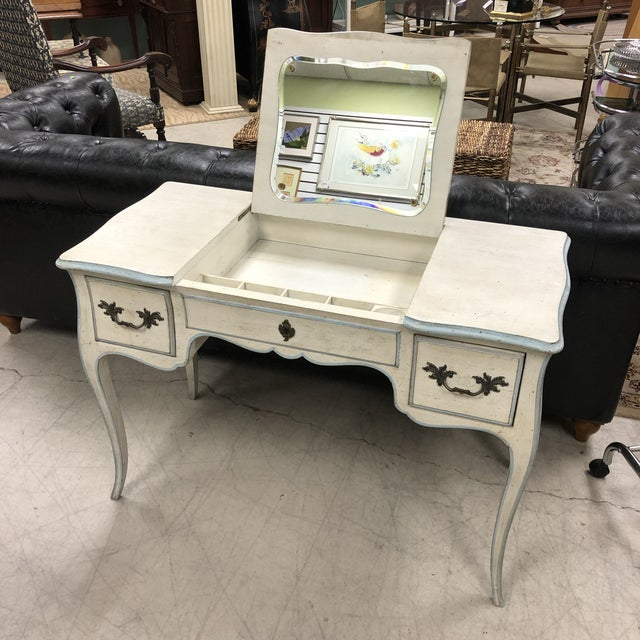 French Provincial John Widdicomb French Provincial Vanity & Chair For Sale - Image 3 of 13
