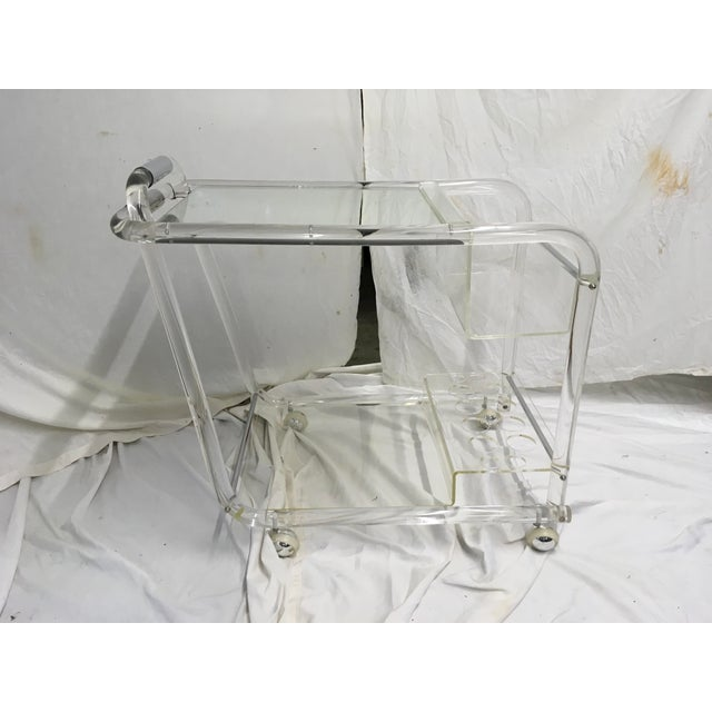 Mid-Century Modern 70s Acrylic W/ Chrome Bar Cart For Sale - Image 3 of 13