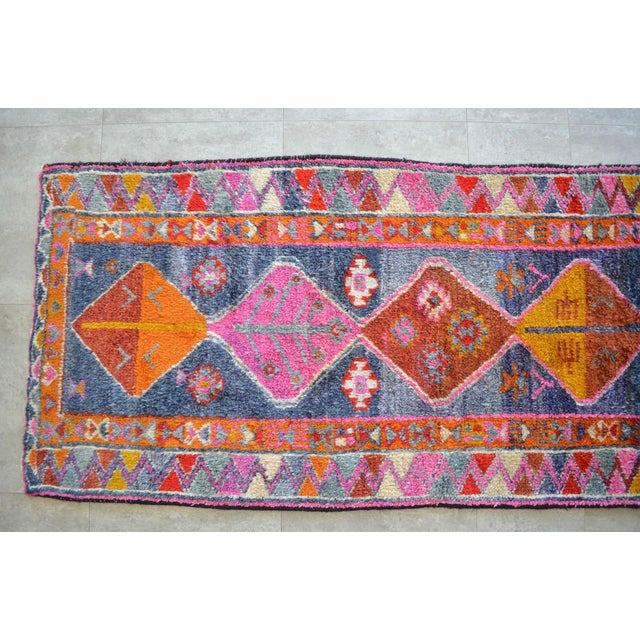 Heterodox Kurdish Runner Herki Rug. Hand-Knotted Colorful Tribal Short Runner - 3′ × 8′10″ For Sale In New York - Image 6 of 11