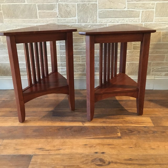 Late 20th Century Ethan Allen Solid Cherry Triangle Corner Side Table For Sale In New York - Image 6 of 13