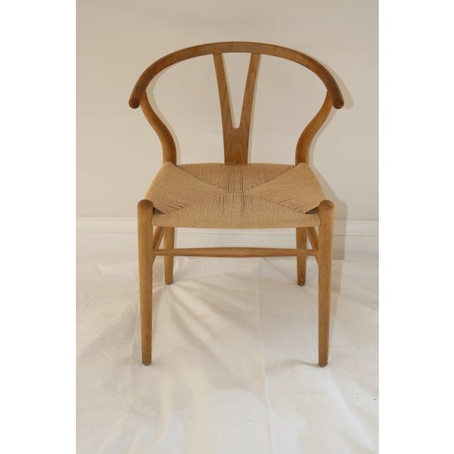 Lights Hans Wegner for Carl Hansen & Son Ch24 Wishbone Chairs - Set of 8 For Sale - Image 7 of 13