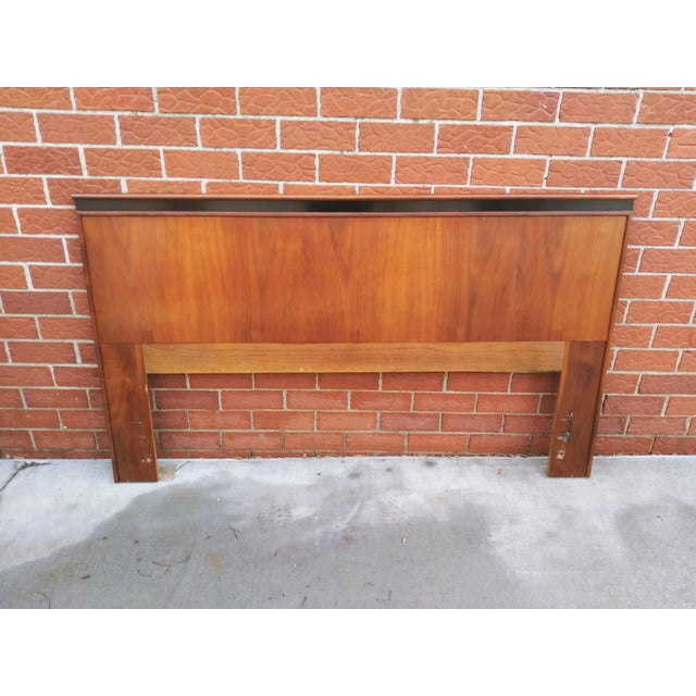 Wood Mid Century Modern Dillingham Espirit Walnut Headboard For Sale - Image 7 of 10