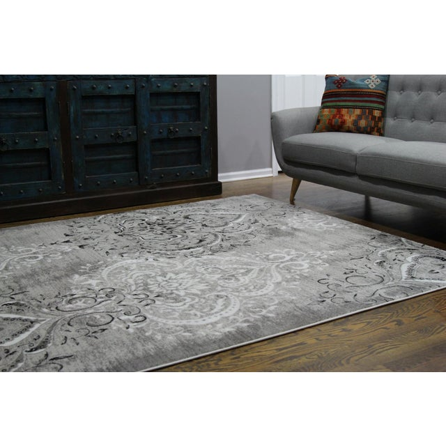 "Contemporary Damask Gray & White Rug- 5'3"" x 7'7"" For Sale - Image 3 of 8"