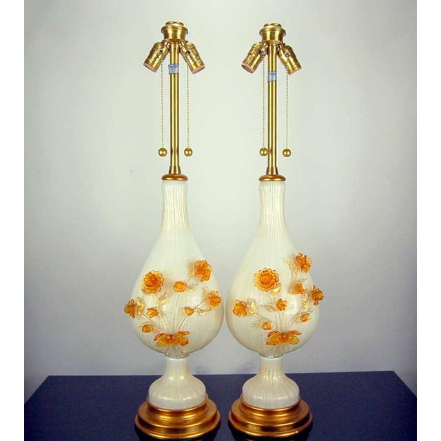 Hollywood Regency Marbro Murano Glass Table Lamps White Gold Flowers For Sale - Image 3 of 10