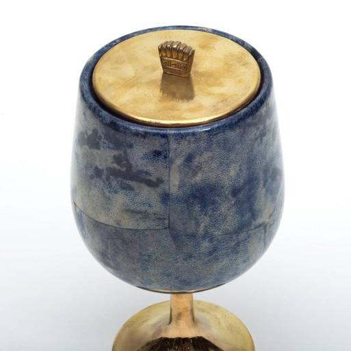An elegant and diminutive ice server, one of tura's classic forms.