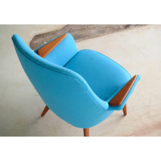 Mid-Century Modern Frode Holm Attributed 1950s Lounge Chair With Teak Armrests Upholstered in Kvadrat Divino Wool For Sale - Image 3 of 10