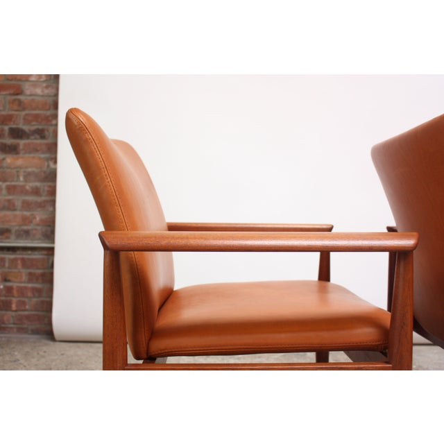 Pair of Finn Juhl Diplomat Armchairs for France & Son in Leather and Teak For Sale In New York - Image 6 of 13
