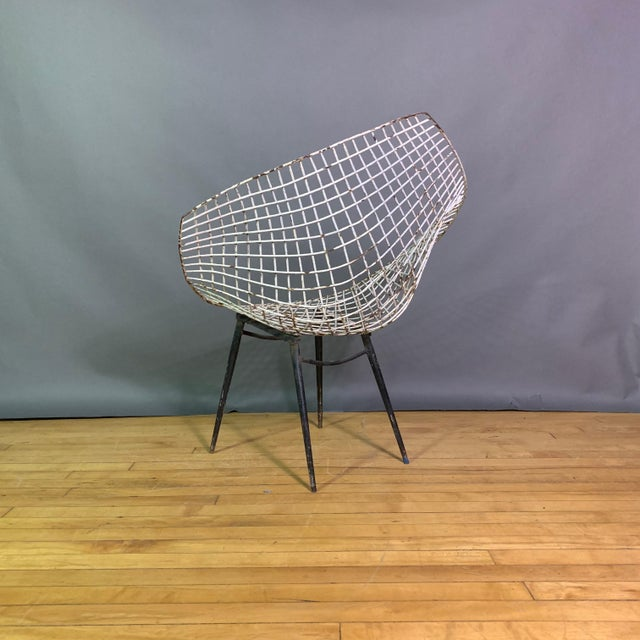 Set of 1970s Iron Diamond Outdoor Chairs, Manner of Bertoia For Sale In New York - Image 6 of 11