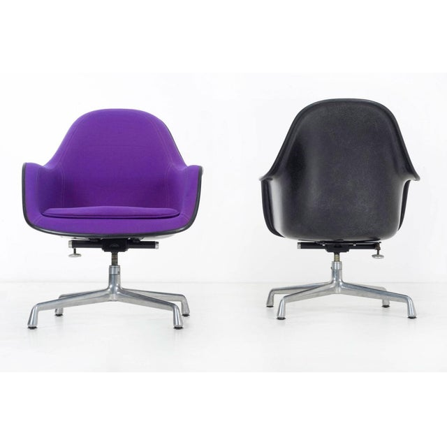 Herman Miller pair of Herman Miller Lounge Chairs For Sale - Image 4 of 11