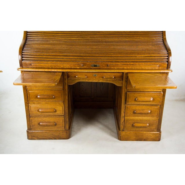 Antique American Classic Oak Rolltop Writing Desk For Sale - Image 4 of 13