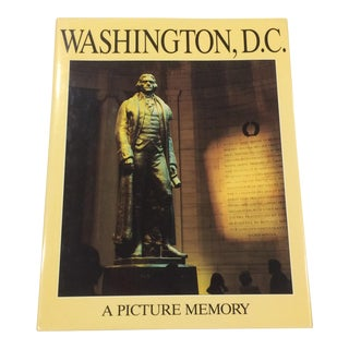 Washington d.c. : A Picture Memory. Hardcover Book Published by Crescent Books, Text by Bill Harris For Sale