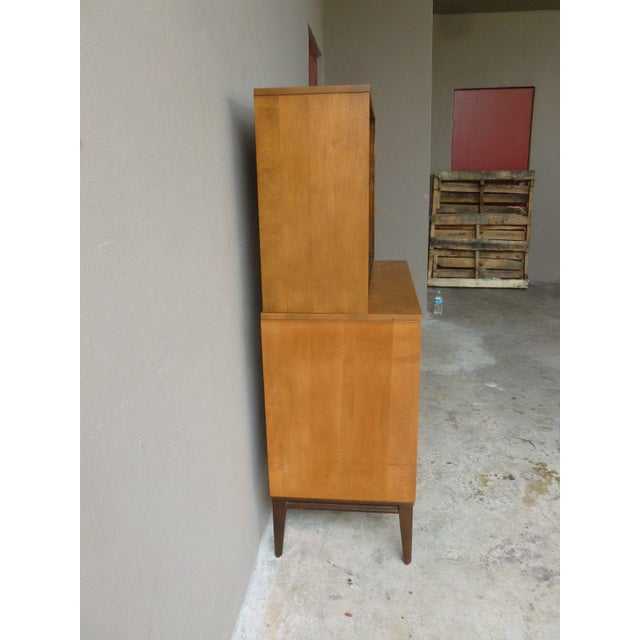 1950s 1950's Vintage Planner Group Paul McCobb Restored 2 Tier Cabinet For Sale - Image 5 of 9