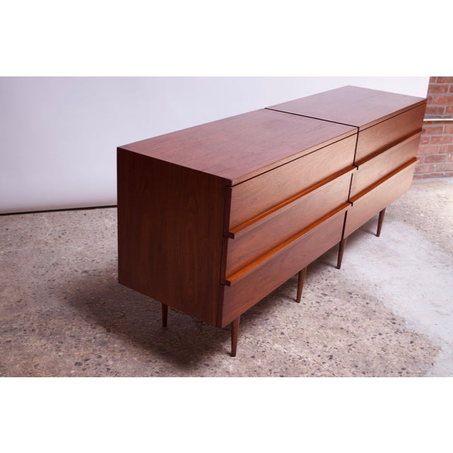 Mid-Century Modern Pair of Mel Smilow Three-Drawer Walnut Chests For Sale - Image 3 of 13