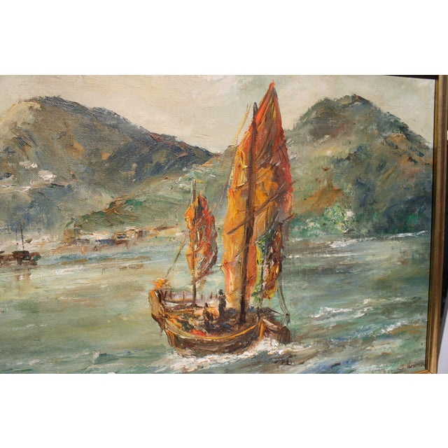 "Mid-Century Oil on Board Titled ""Hong Kong"" Depicting Junk Boat Harbour Scene For Sale - Image 11 of 12"