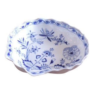 Large and Unusual Shell Shaped Antique Meissen Porcelain Bowl, Blue Onion Pattern For Sale