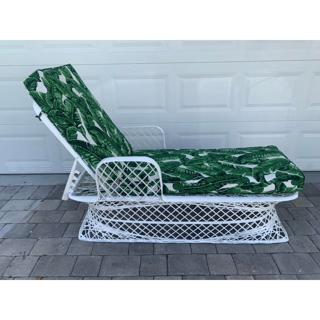 Vintage Russell Woodard Spun Fiberglass Chaise Lounge Chair For Sale - Image 13 of 13