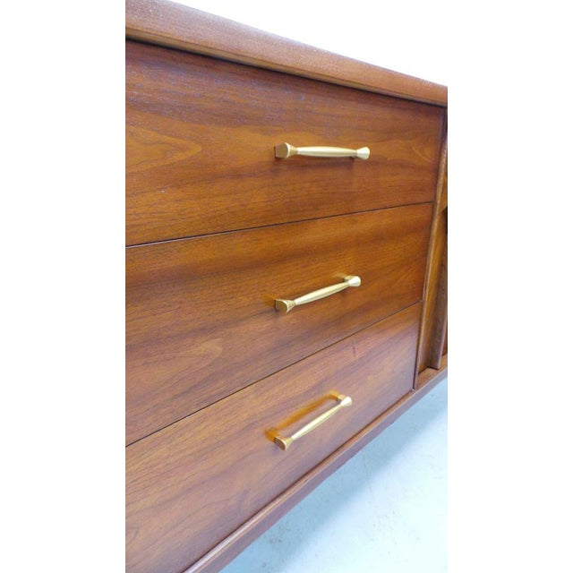 1960s 1960's Mid Century Modern Kent Coffey Perspecta Walnut Credenza For Sale - Image 5 of 9