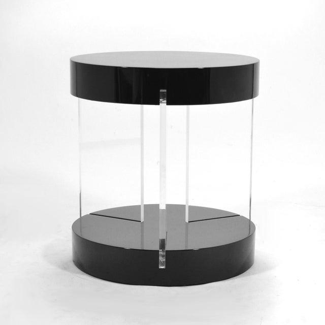 Mid-Century Modern Vladimir Kagan Lucite Leg Side Table For Sale - Image 3 of 6