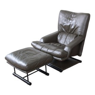 Saporiti Italia Mid-Century Modern Leather Lounge Chair and Ottoman, Circa 1970s For Sale