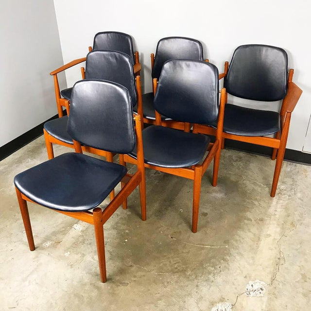 Danish Modern Rare Set of 6 Dining Chairs by Arne Vodder With New Upholstery For Sale - Image 3 of 13