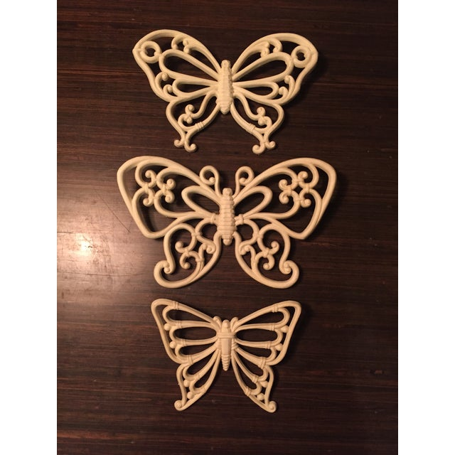 Plastic 1970s Boho Chic White Homco Butterfly Wall Decor - 3 Pieces For Sale - Image 7 of 7