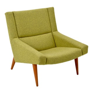 Danish Model 50 Lounge Chair by Illum Wikkelsø for Søren Willadsen, 1960s For Sale