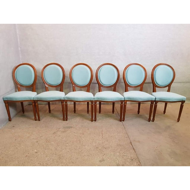 French Set of 6 Vintage French Reupholstered Blue Turquoise Louis XVI Medallion Dining Chairs For Sale - Image 3 of 13