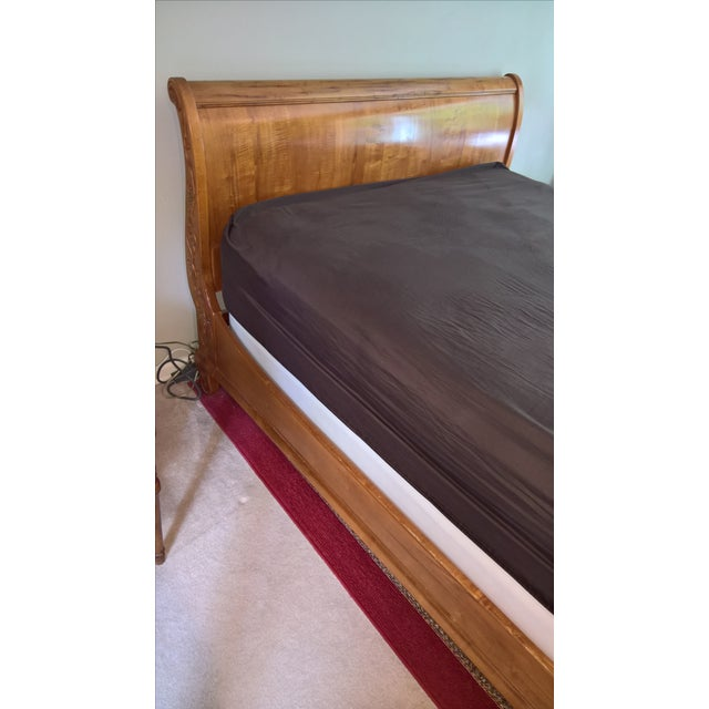 Ethan Allen Legacy Queen Sleigh Bed - Image 6 of 9