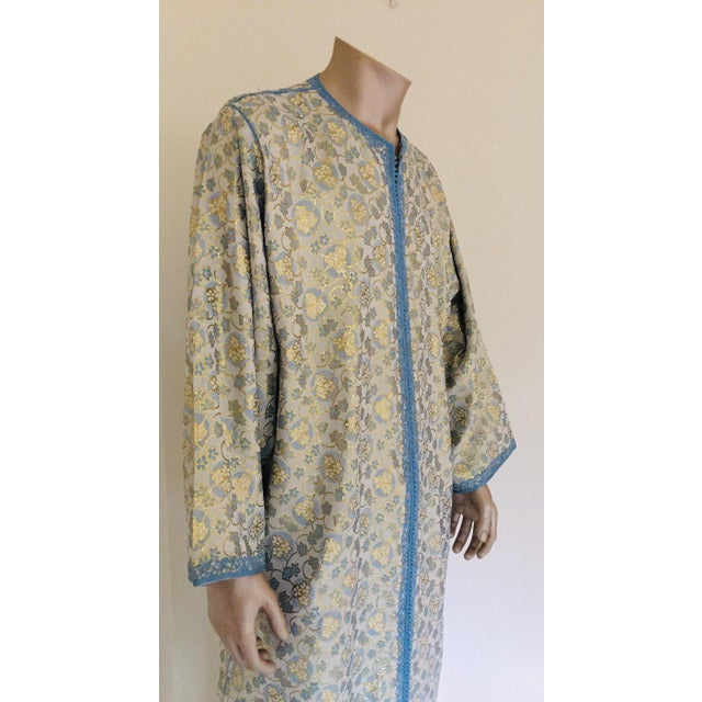 Metallic Blue and Silver Brocade 1970s Maxi Dress Caftan, Evening Gown Kaftan For Sale In Los Angeles - Image 6 of 13