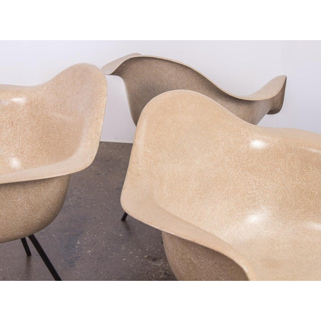 Second Generation Greige Eames Armshell Chair For Sale In New York - Image 6 of 11