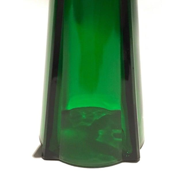 1961 Vintage Anchor Hocking Glass Co. Emerald Green Atomic Rocket Vase For Sale - Image 5 of 8