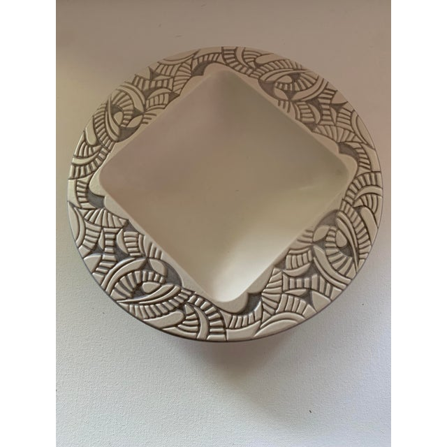 Beautiful Hyalyn gray portfolio collection porcelain ceramic console bowl designed by the master potter Herb Cohen in 1957...