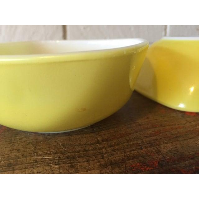 4-Piece Yellow Pyrex Square Salad Set - Image 9 of 9